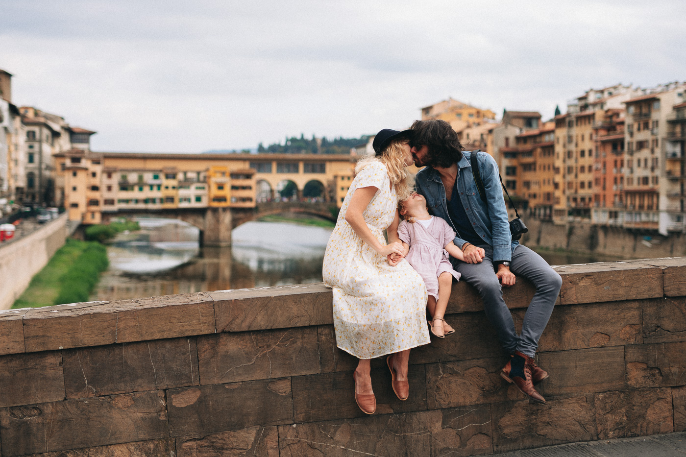 Family Photoshoot in Florence, Italy, Ponte Vecchio old bridge 89