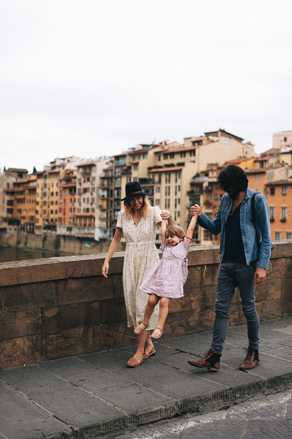 //euphoriawedding.com/wp-content/uploads/2019/11/Family-Photoshoot_Florence_WEB-184.jpg