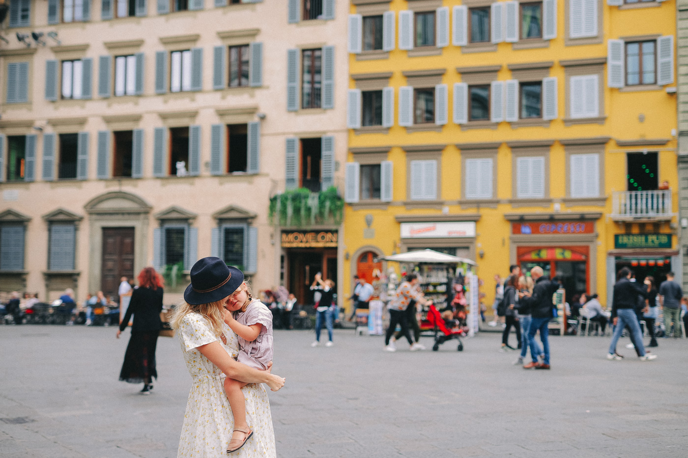 //euphoriawedding.com/wp-content/uploads/2019/11/Family-Photoshoot_Florence_WEB-89.jpg